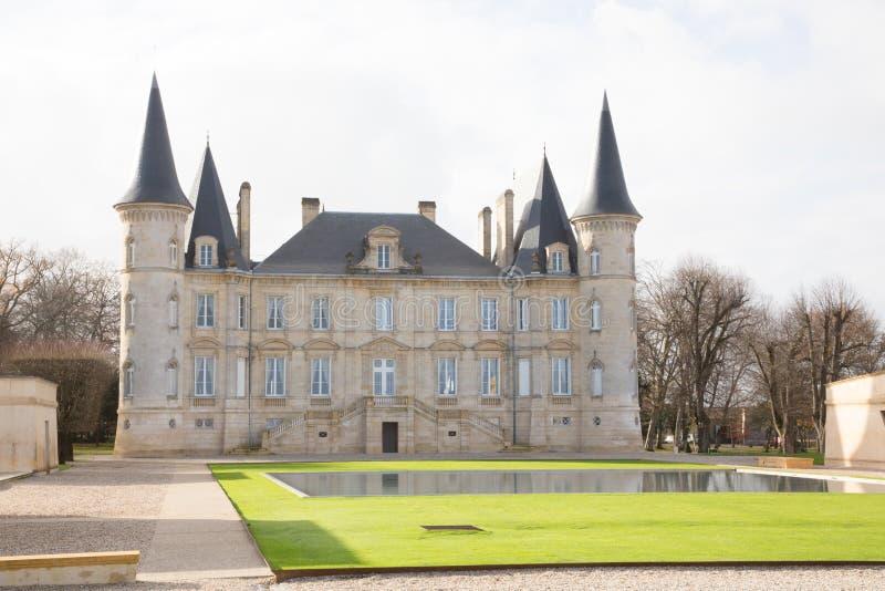 Pauillac, Бордо Франция - 12-ое декабря 2018 - барон Pichon Longueville замка в Бордо лежит регион Médoc вин стоковое фото