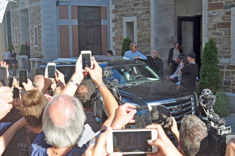Paul McCartney opuszcza hotel w Quebec, Kanada zdjęcie stock