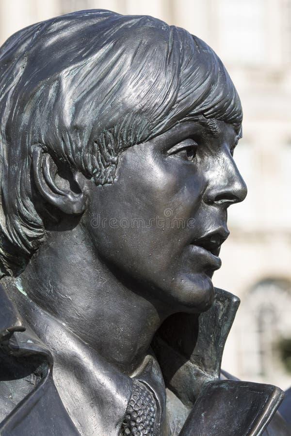 Paul McCartney Statue en Liverpool fotografía de archivo