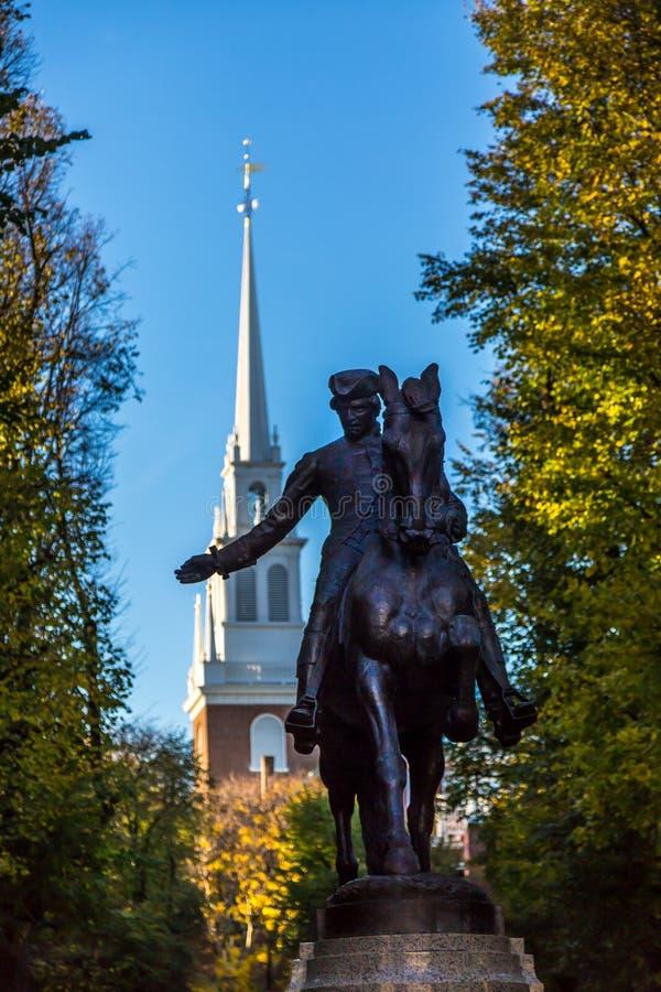 Paul Revere e igreja norte velha fotos de stock