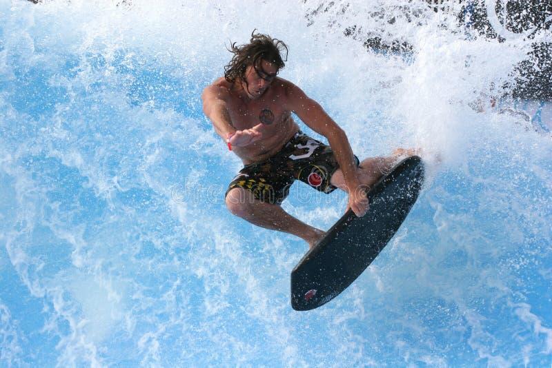 Paul Roach in San Diego Wavehouse stock foto