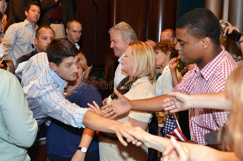 Paul Ryan samlar i Newport nyheterna, Virginia royaltyfria foton