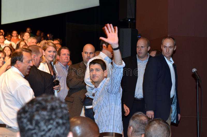 Paul Ryan samlar i Newport nyheterna, Virginia royaltyfria bilder