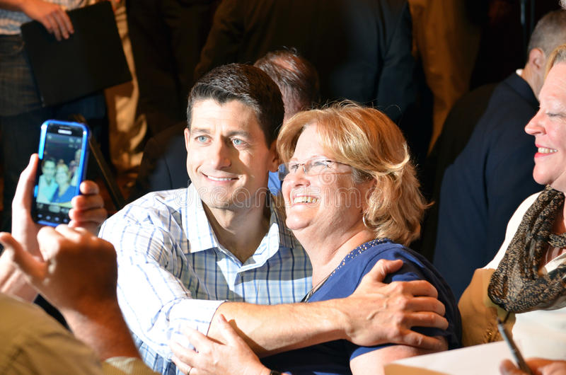 Paul Ryan samlar i Newport nyheterna, Virginia arkivfoton
