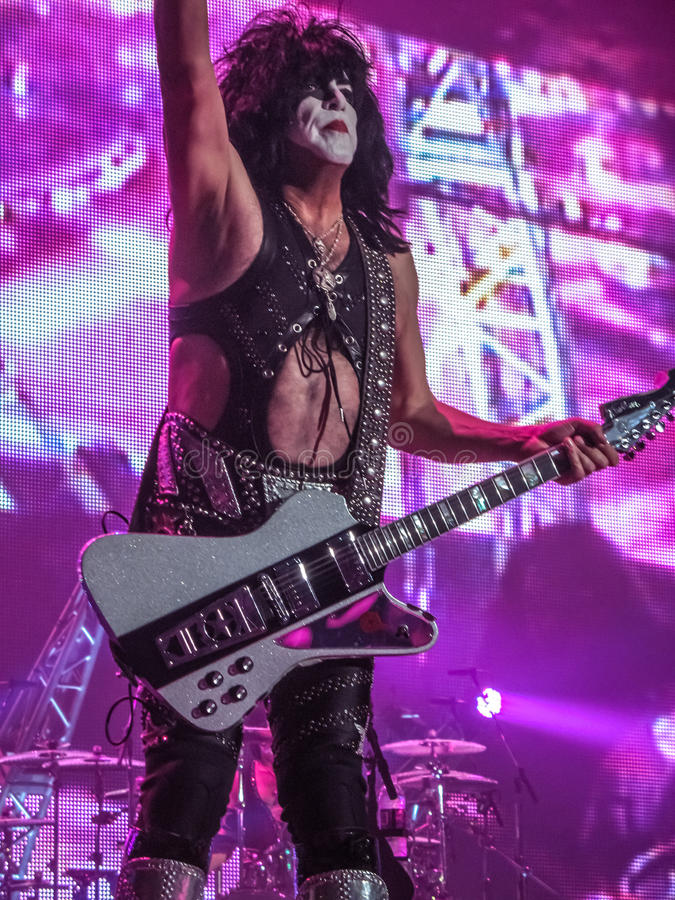 Paul Stanley of Kiss Rallying the Audience royalty free stock images
