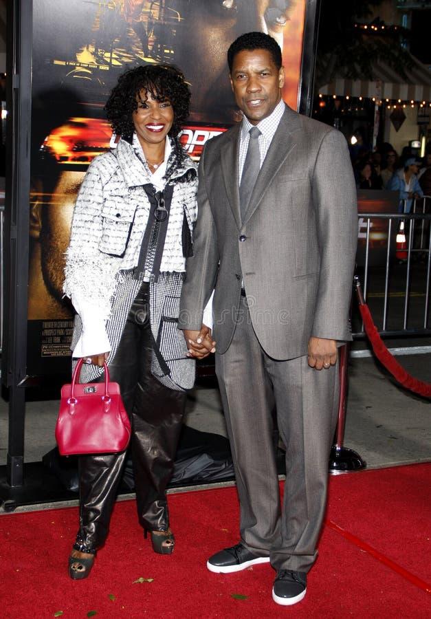 Pauletta Pearson y Denzel Washington fotografía de archivo