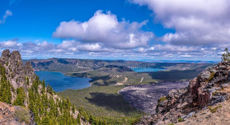 Paulina Lake et panorama est de lac images stock