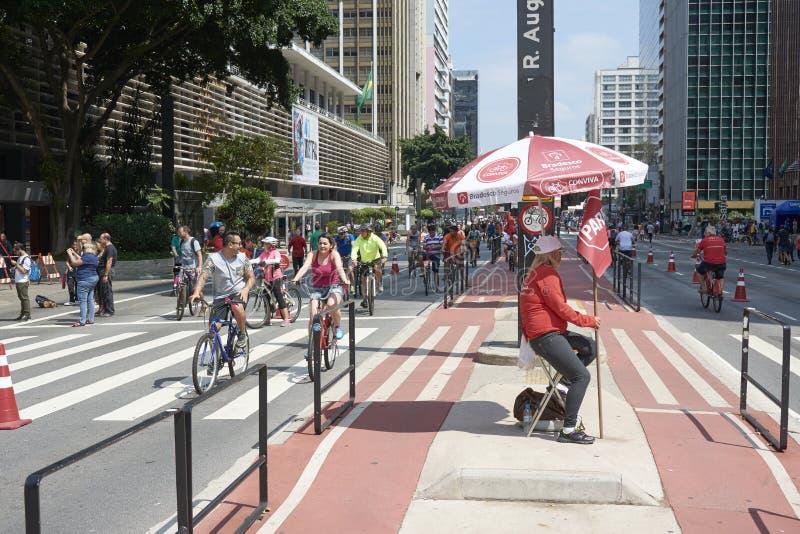 Paulista aleja w Sao Paulo, otwiera dla społeczeństwa dla zabawy zdjęcia royalty free
