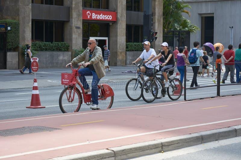 Paulista aleja w Sao Paulo, otwiera dla społeczeństwa dla zabawy fotografia royalty free