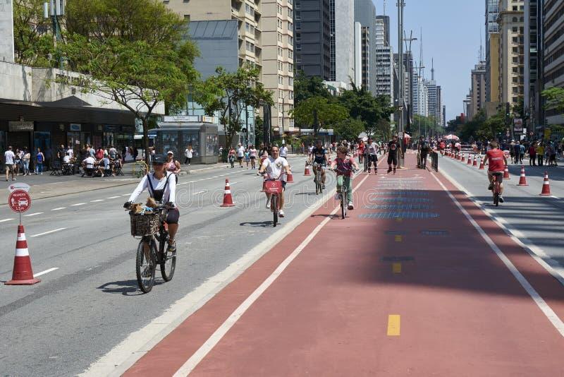 Paulista aleja w Sao Paulo, otwiera dla społeczeństwa dla zabawy obraz stock