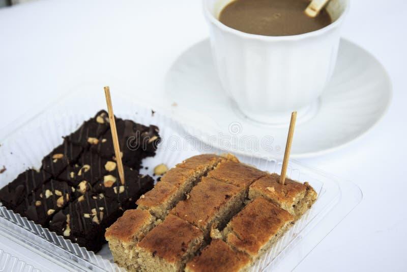 Pausa caffè con il dessert fotografia stock libera da diritti