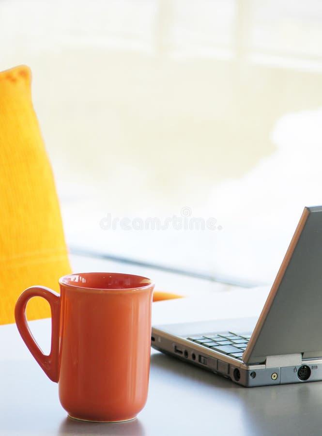 Download Pause-café photo stock. Image du chromatics, orange, café - 86864