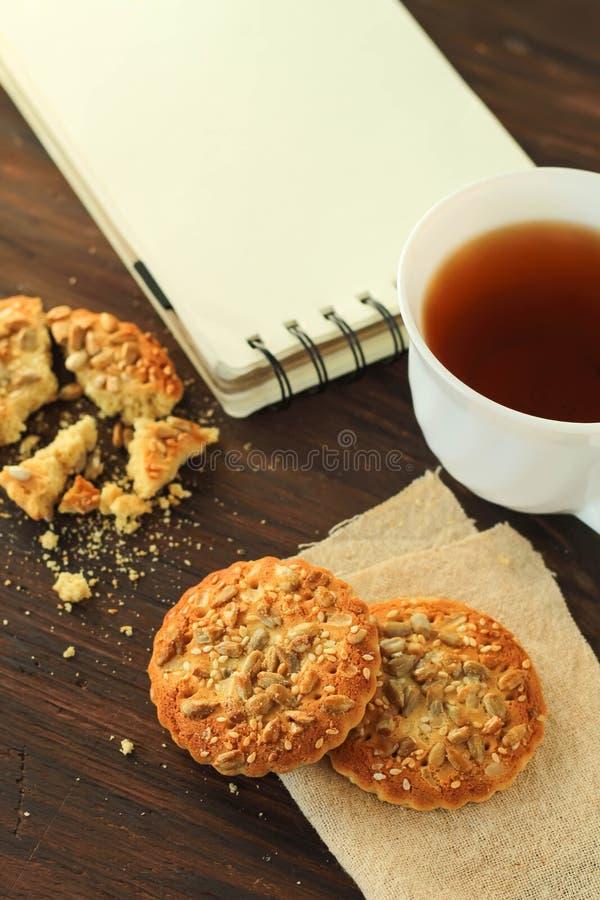 Pause café sur la vue supérieure de table photos stock
