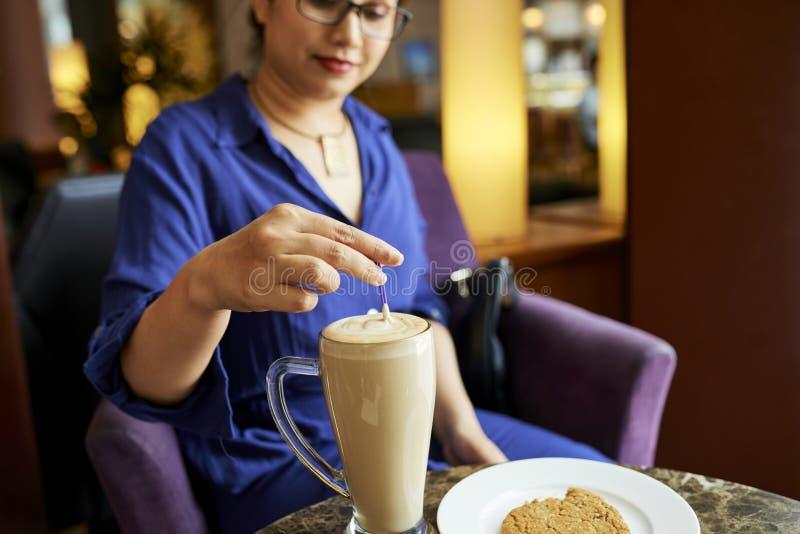 Pause-caf? en caf? photos libres de droits