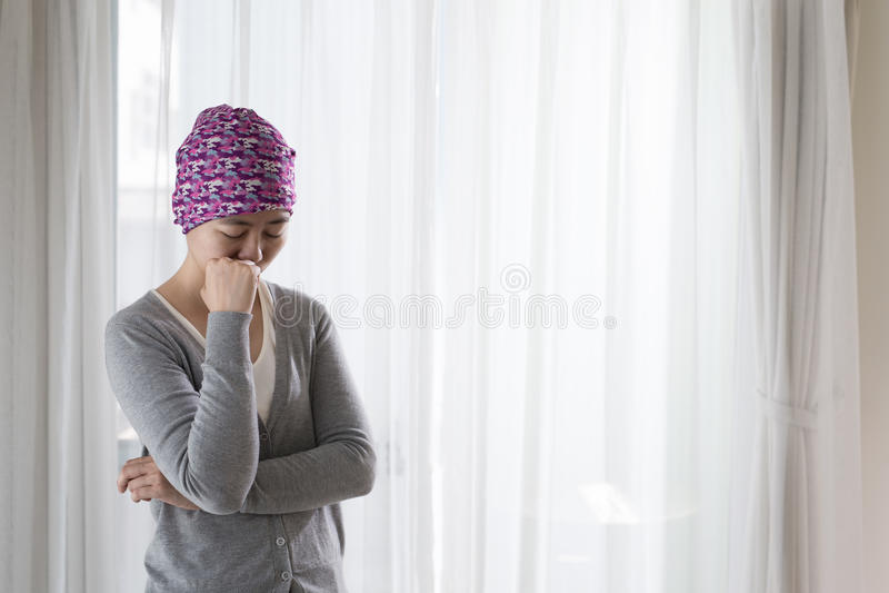 Pauvre femme de cancer images libres de droits