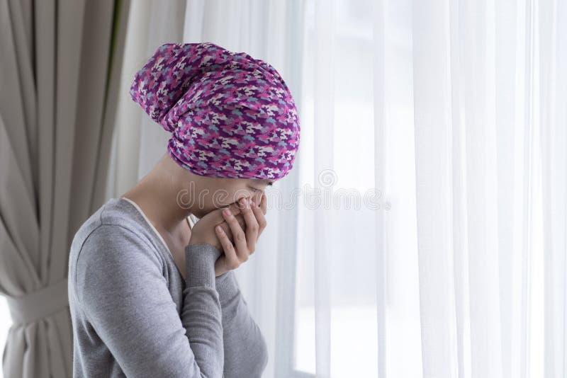 Pauvre femme de cancer photographie stock libre de droits