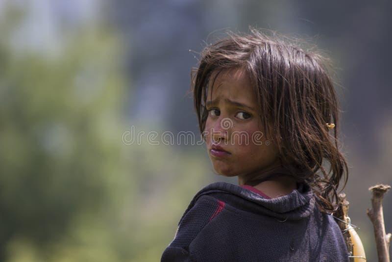 Pauvre fille sans abri photo libre de droits