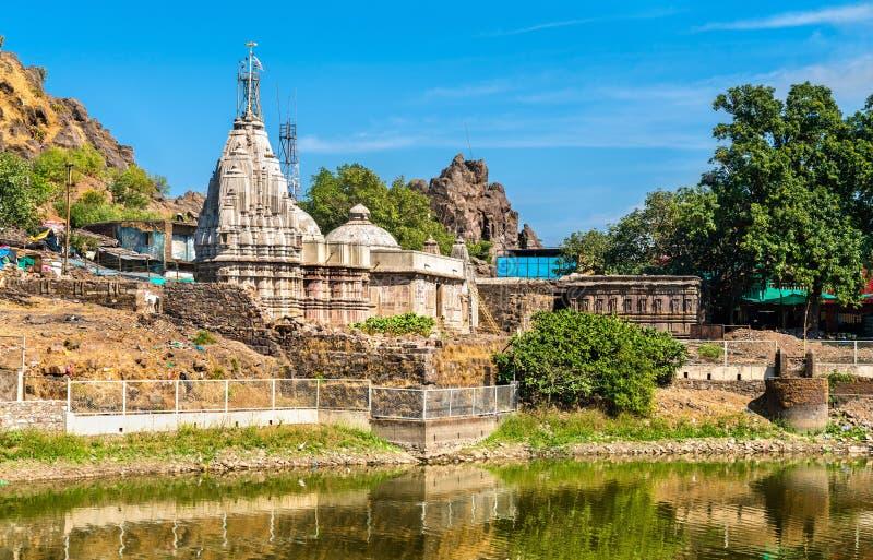 Pavagadh小山的-古杰雷特,印度Suparshvanath老Digamber寺庙和Teliya Talav湖 图库摄影