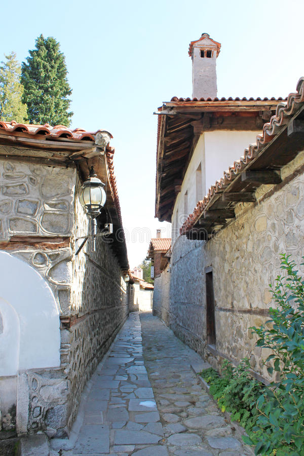Free Paved Street In The Old Town Of Bansko Royalty Free Stock Photography - 41025137