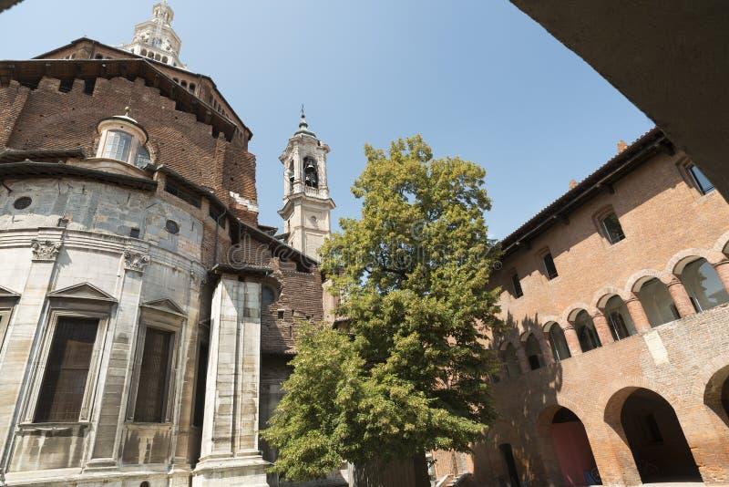 Pavia (Itália): Broletto imagem de stock