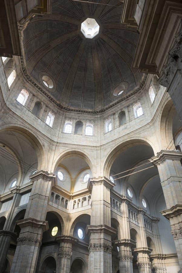 Pavia, katedralny wnętrze zdjęcie royalty free