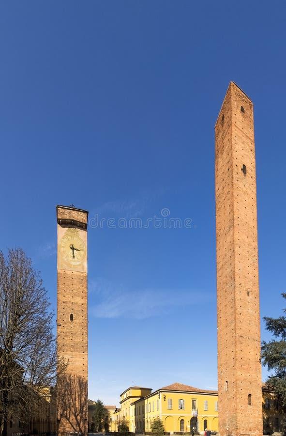 pavia medeltida torn arkivfoton