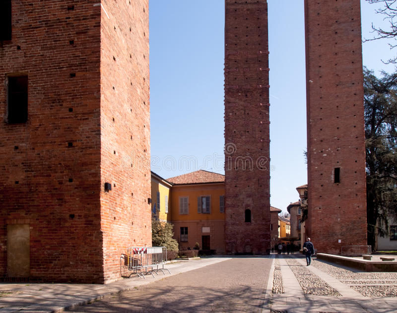 pavia medeltida torn arkivbild