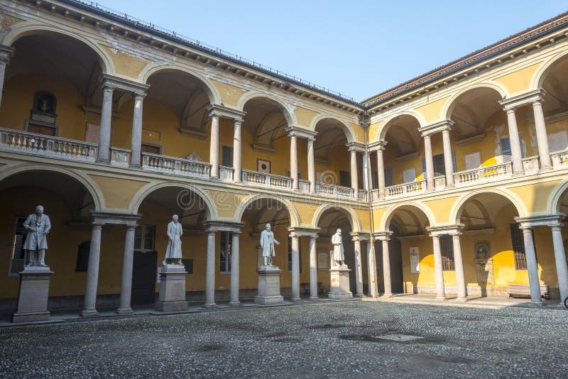 Pavia, sąd uniwersytet zdjęcia stock