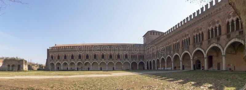 pavia Visconti slott royaltyfri bild