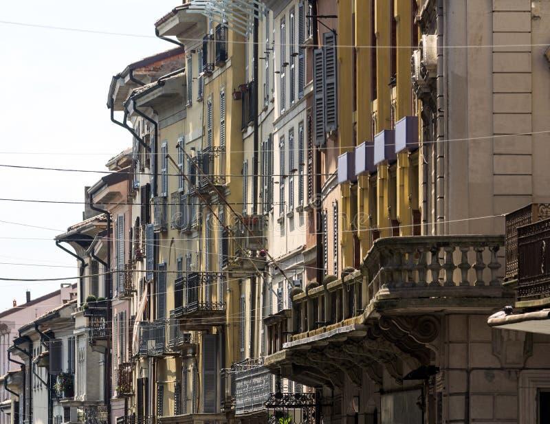 Pavia (Włochy): główna ulica zdjęcia royalty free