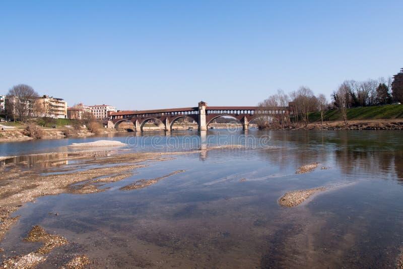 Pavia, zakrywający most nad rzecznym Ticino zdjęcia stock