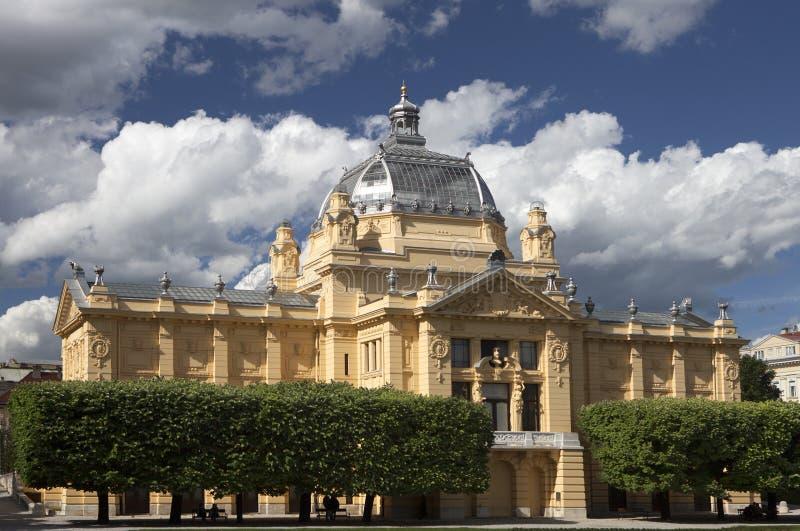 Pavilhão da arte em Zagreb fotos de stock royalty free