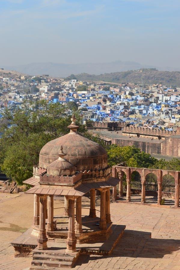 Pavilhão do forte e cidade de Jodhpur foto de stock