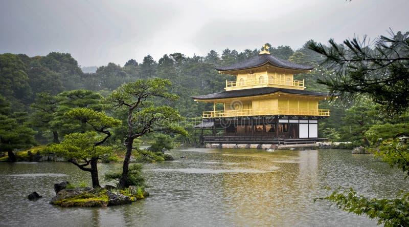 Pavilhão dourado Kyoto fotografia de stock
