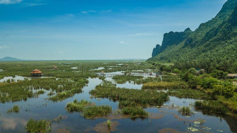 Pavilhão em Sam Roi Yot, Tailândia fotos de stock royalty free