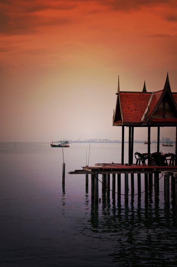Pavilhão tailandês do estilo fotografia de stock