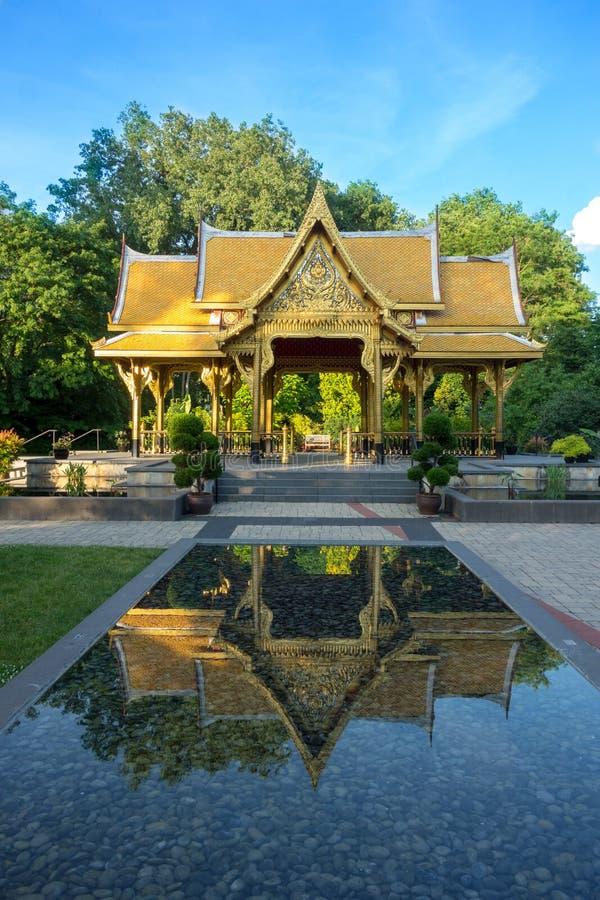 Pavilhão tailandês em jardins botânicos de Olbrich em Madison, Wisconsin imagem de stock
