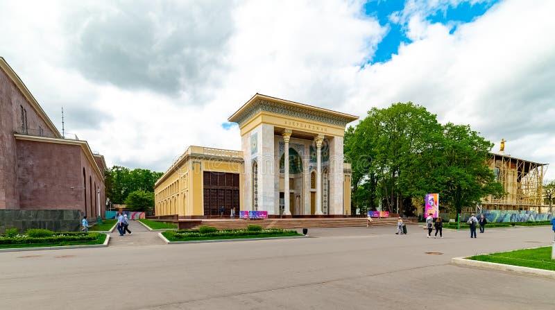 """Paviljoen 'Azerbeidzjan '†het"""" veertiende paviljoen van VDNH, dat in 1939 wordt gebouwd, en dat in 1967 opnieuw op wordt gebouw royalty-vrije stock afbeelding"""