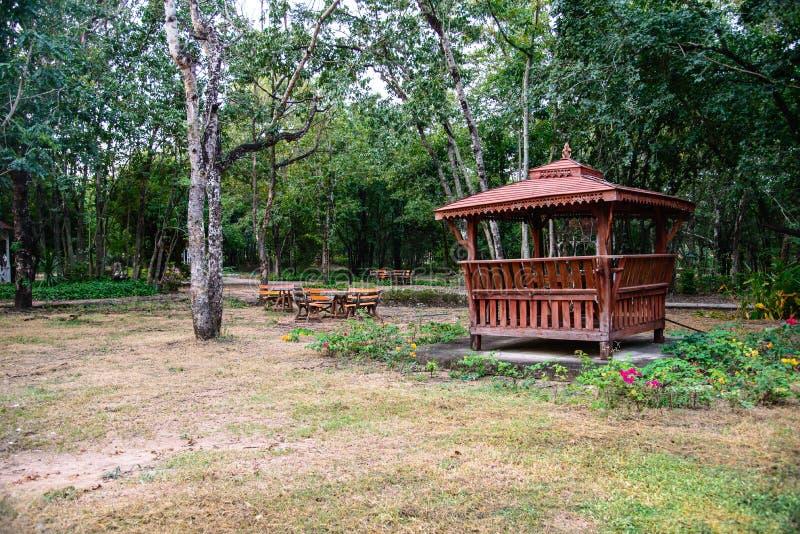 Paviljoen in de aard royalty-vrije stock afbeeldingen