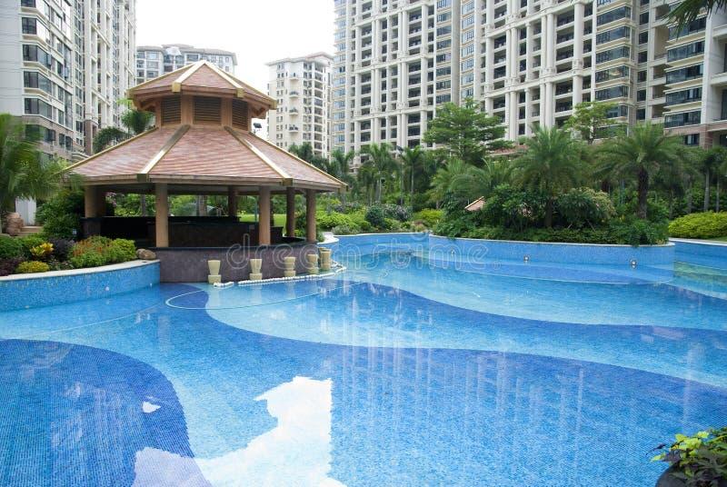 Paviljoen en zwembad royalty-vrije stock fotografie