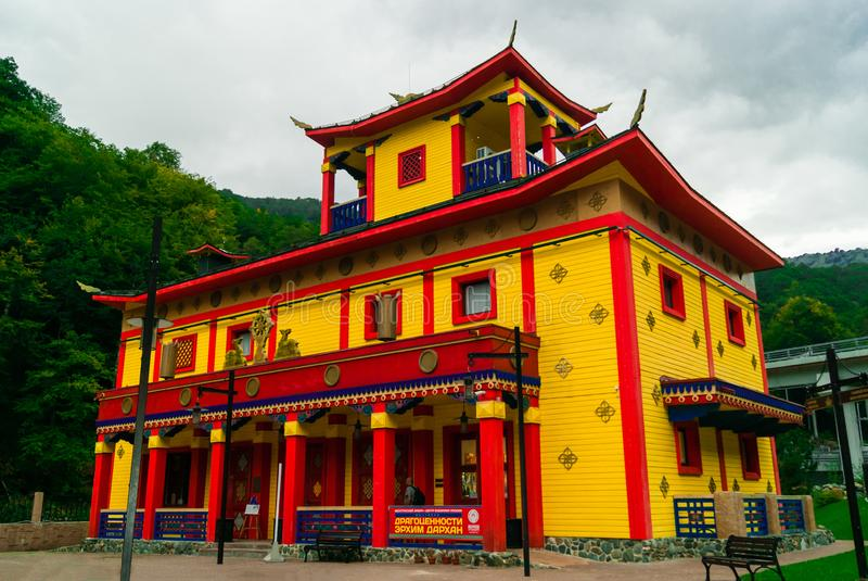 Paviljoen in traditionele buryat boeddhistische stijl stock foto's