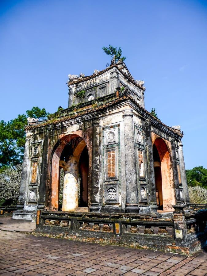 Paviljong i gravvalvet för Tu Dus i ton, Vietnam royaltyfri fotografi