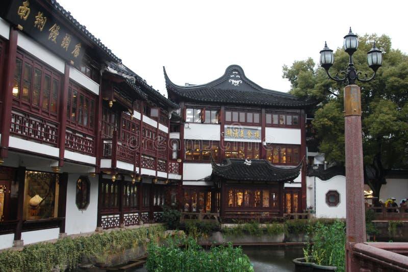 Paviljong i Yu Yuan Gardens, Shanghai Arkitektur gräsplan royaltyfri fotografi
