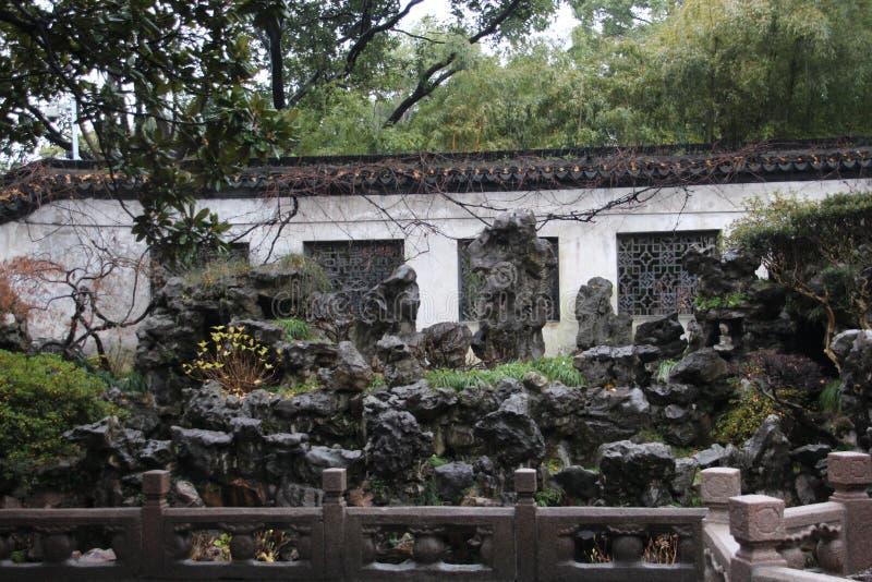 Paviljong i Yu Yuan Gardens, Shanghai Arkitektur gräsplan fotografering för bildbyråer