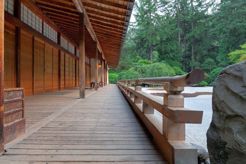 Paviljongen på japanträdgården royaltyfri bild
