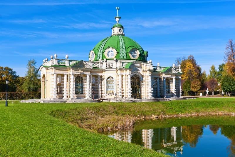 Download Paviljonggrotta i Kuskovo fotografering för bildbyråer. Bild av europa - 37347649