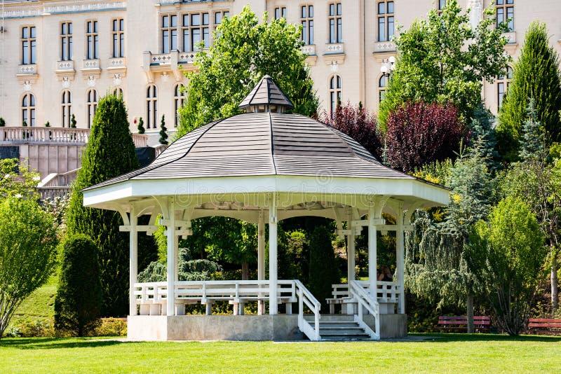 Pavillion de parc de Palas dans Iasi, Roumanie photo libre de droits