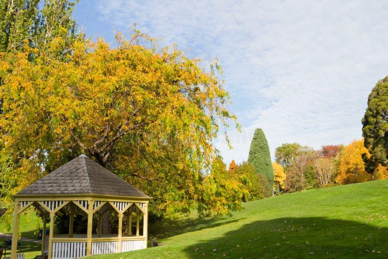 Pavillion in giardini fotografie stock