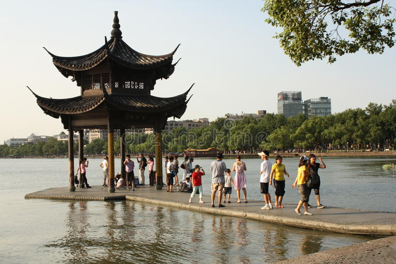 Pavillon au lac occidental - Hangzhou, Chine images libres de droits