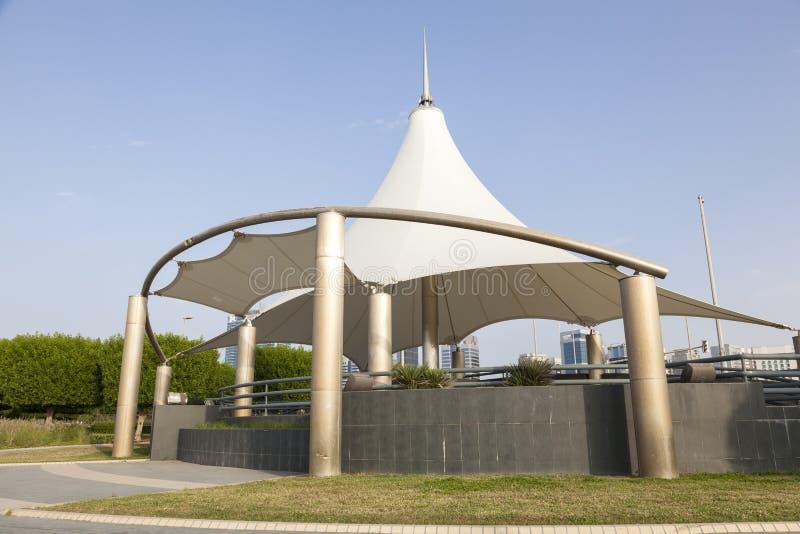 Pavillon am corniche in Abu Dhabi lizenzfreie stockfotos
